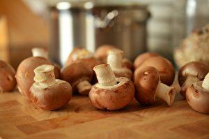 蘑菇富含多酚,有助于保护肝细胞免受损伤。(Pixabay/Pexels)