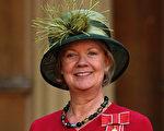 英女爵財富是女王3倍 騎自行車上下班