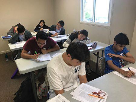 爱因斯坦学院采取小班制教学。(爱因斯坦学院提供)