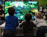 看似无害的小小休闲可以迅速变成习惯,只让孩子娱乐20分钟的小玩意,现在会占用1个小时,甚至欲罢不能。(Tinxi/Shutterstock.com)