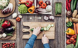 """组图:六种""""奇葩""""养生蔬菜的切法"""