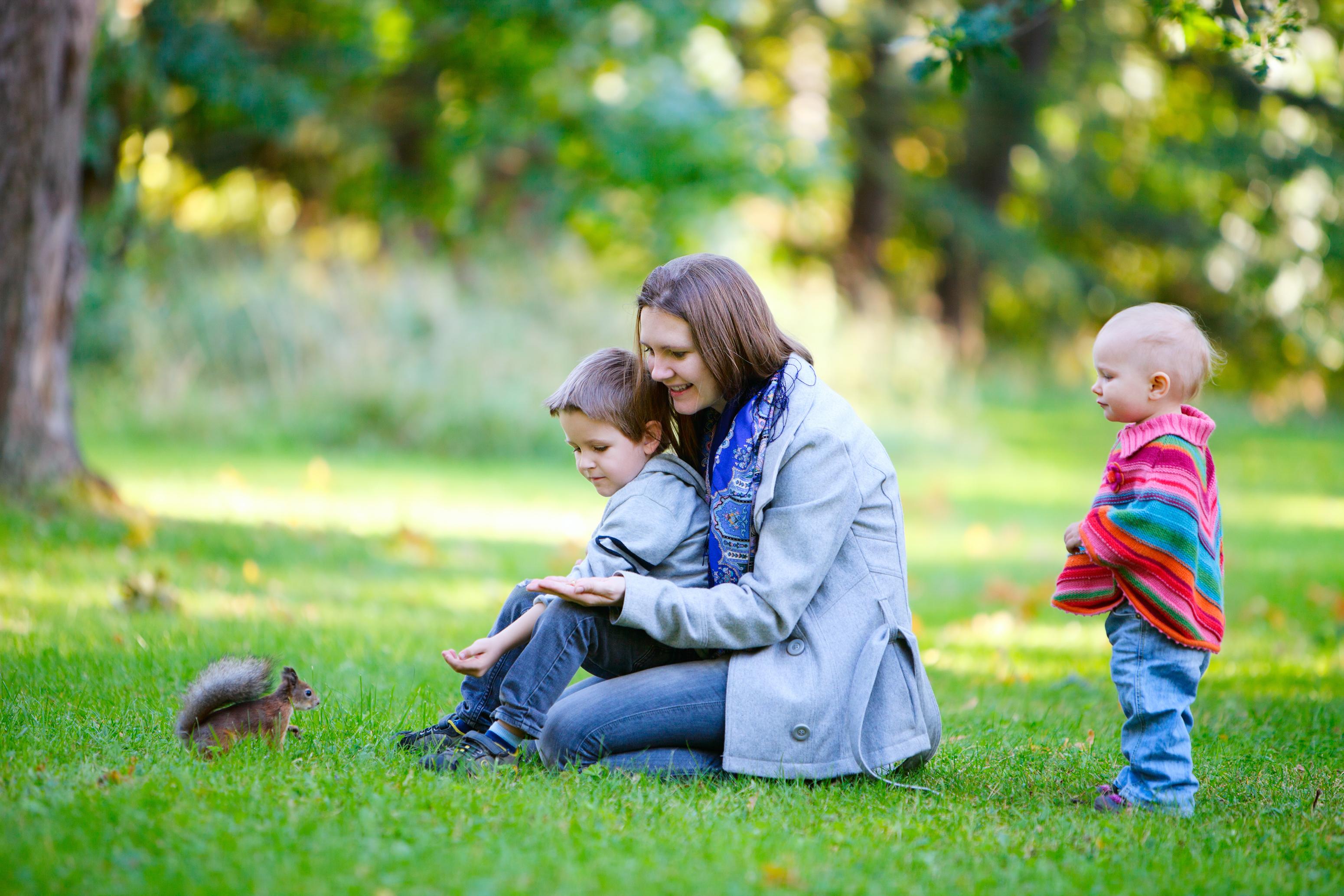 和父母共度的假日时光,将成为孩子一生珍藏的回忆。(BlueOrange Studio/Shutterstock)