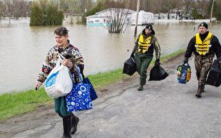 加拿大武装人员被部署到魁北克各地,预计派遣人员的人数会激增。(加通社)