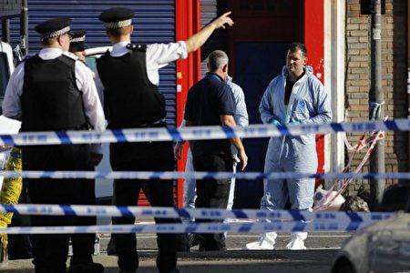 警察趕到事故現場處理。(/ AFP PHOTO / Tolga AKMEN)