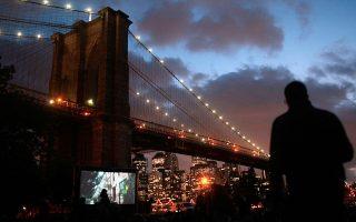 纽约户外电影活动相继于7月到8月间登场。 (Chris Hondros/Getty Images)