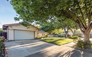 德立昂地产位在圣荷西West Valley的一处上市独立房,开价129.8万美元。(德立昂地产提供)
