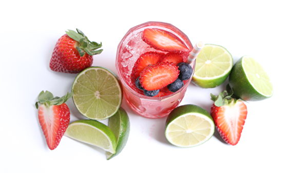 圖:Iced Teapigs Super Fruit Zero Proof Mocktail(圖片由Teapigs提供)