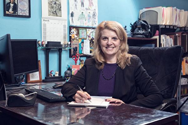 Neva Hoffmaier是资深意外伤害律师,有多年诉讼经验。(张学慧/大纪元)