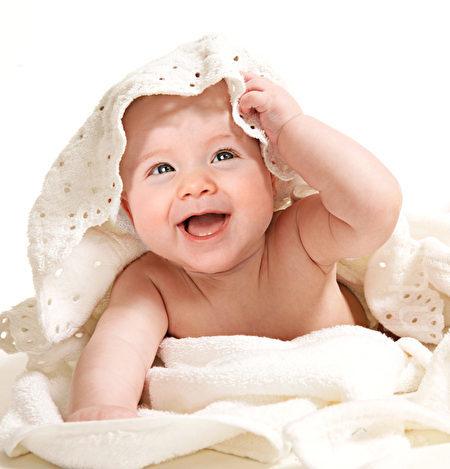 宝宝的咿呀学语是如何发展起来的?(Fotolia)