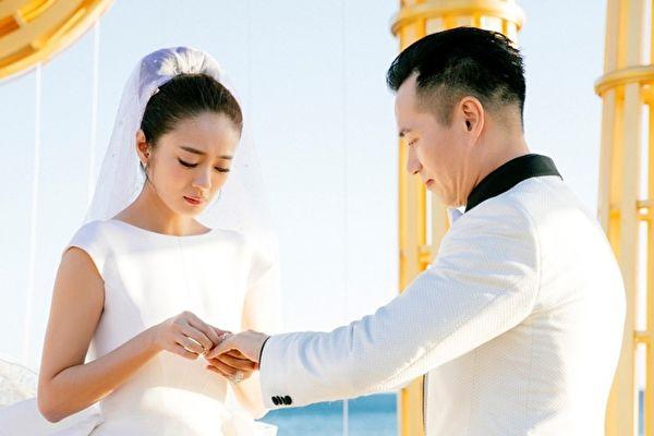 安以轩结婚资料照。(安以轩工作室提供)