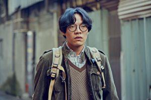 盧廣仲因出演《花甲男孩轉大人》而人氣大開,意外多了不少歌迷,圖為劇照。(台視提供)