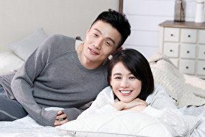李荣浩(左)新抒情单曲《就这样》邀请金马影后马思纯(右)出任女主角。(华纳提供)