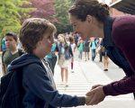 《奇蹟男孩》由童星雅各‧特倫布雷(Jacob Tremblay)和金獎影后茱莉亞‧羅勃茲同台飆戲。(甲上提供)