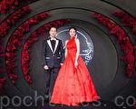 藝人安以軒(右)與澳門德晉集團CEO陳榮煉(左)6月23日在台北舉辦婚宴。(陳柏州/大紀元)