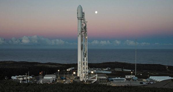 台自製首枚衛星福衛五號 8月美國發射升空