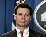 美國白宮正式宣布,提名刑事辯護律師克里斯托弗‧雷為新任美國聯邦調查局局長。圖為2004年8月20日,克里斯托弗•雷在美國華盛頓出席新聞發佈會的資料照片。(Jose ROMERO AND STEPHEN JAFFE/AFP)