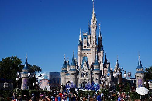 佛州奥兰多的迪士尼世界主题公园内的灰姑娘城堡。(ErikAggie/CC/Pixabay)