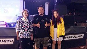 三位歌手合影,左一起:阿爆、瑪斯卡Matzka和DJ RAYRAY (夏松/大紀元)