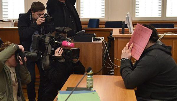 德国护士霍格尔向危重病人施加致死药物,尝试再次救活他们,作为炫耀资本。他涉嫌造成超过90人死亡,实际致死人数可能更多。(RMEN JASPERSEN/AFP/Getty Image)