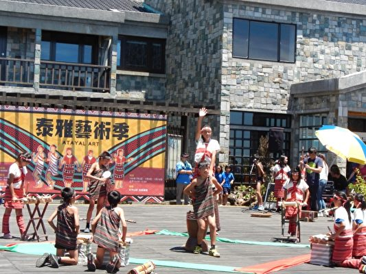 泰雅艺术季原住民部落传统舞蹈表演。(罗东林管处提供)
