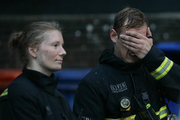 """【伦敦大火中的故事】消防员的""""美丽错误"""""""