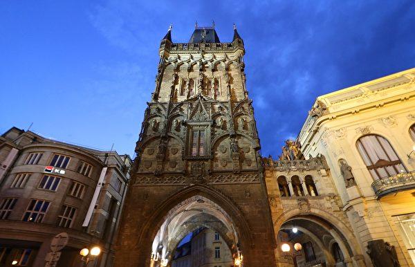 火藥塔是捷克首都布拉格老城的一座哥德式城門,是該市的地標之一。(Pixabay )