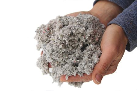 新式的隔熱材料纖維棉cellulose(紐約節能服務中心提供)