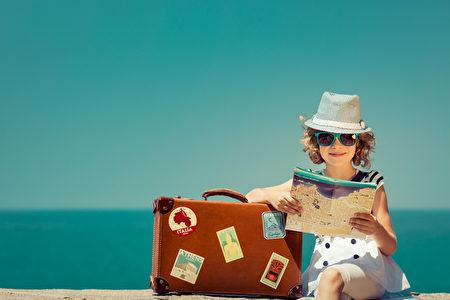 在夏天旅游,注意均衡的饮食并多喝水,以确保身体健康。(Fotolia)