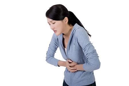 胃痛(Fotolia)