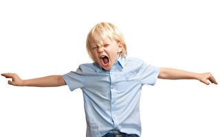 肝火過旺,脾氣暴躁的孩子,經常大吵大鬧,尖叫,發狂。(Fotolia)