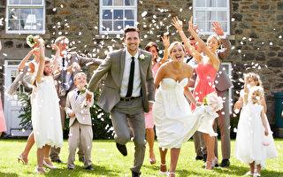 根據傳統,即使新人沒有宗教信仰,一般會選擇在教堂進行婚禮,也可以選擇在酒店或是舉辦戶外婚禮。(Fotolia)