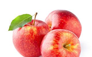 有些蔬菜和水果食用過量會引發脹氣等腸胃問題,應酌量食用,例如:蘋果。(Fotolia)
