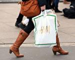 据统计,去年德国人的塑料袋使用量比前一年减少了三分之一。 (Adam Berry/Getty Images)