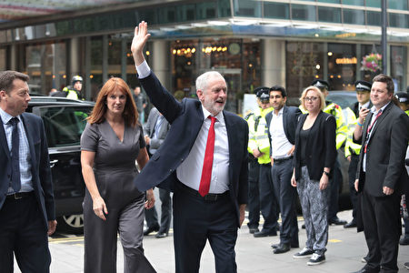 LONDON, ENGLAND - JUNE 09: Labour Leader Jeremy Corbyn arrives at Labour Headquarters on June 9, 2017 in London, England. After a snap election was called by Prime Minister Theresa May the United Kingdom went to the polls yesterday. The closely fought election has failed to return a clear overall majority winner and a hung parliament has been declared. (Photo by Jack Taylor/Getty Images)