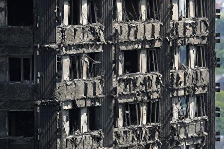 犹如人间地狱被烧焦的大楼。(Dan Kitwood/Getty Images)