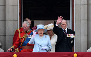 组图:英女王庆生 吁国人在悲伤中团结一致