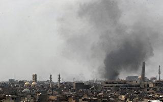周日(6月18日),伊拉克部队开始进攻被伊斯兰国(IS)恐怖组织占据的摩苏尔老城(Old City)。(Photo credit should read AHMAD AL-RUBAYE/AFP/Getty Images)