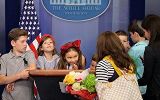 伊万卡女儿当导游 带表亲参观白宫
