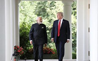 川普(特朗普)总统周一(6月26日)在白宫会见印度总理莫迪。在玫瑰园举行的联合声明中,两国元首都强调了这次会晤富有成效。 (Photo by Win McNamee/Getty Images)