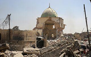 伊拉克政府军在周四(6月29日)进入伊斯兰国(IS)重要据点摩苏尔的心脏地带,占领IS的发源地、至少有800年历史的努里大清真寺(Great Mosque of al-Nuri)。 ( AHMAD AL-RUBAYE/AFP/Getty Images)