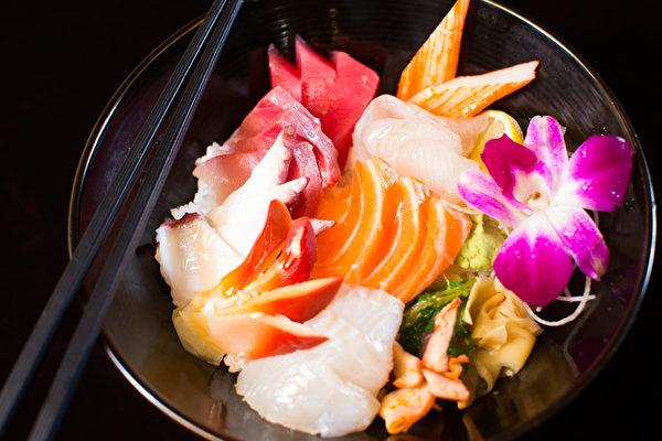 """""""海人""""海鲜餐厅的很多鲜活海鲜都是应季节从韩国空运而来。(餐厅提供)"""