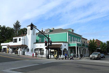 佛森(Folsom)老城区一角。(图片由沙迦缅度地产经纪Zack Lu提供)