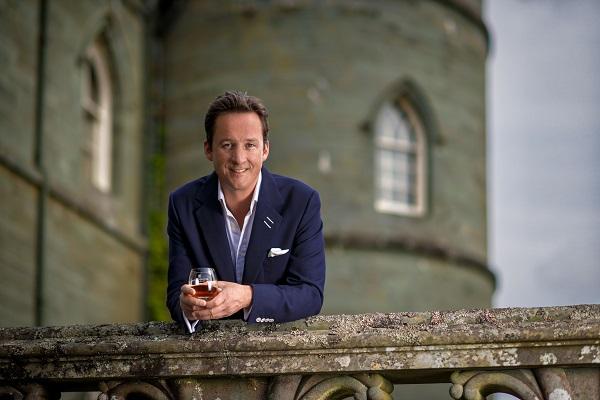 十三世阿蓋爾公爵(THE 13TH DUKE OF ARGYLL )是皇家禮炮威士忌的全球品牌代言。他將與客人分享他對威士忌的激情以及限量版30年釀造皇家禮炮威士忌的體驗。(品酒會主辦單位提供)