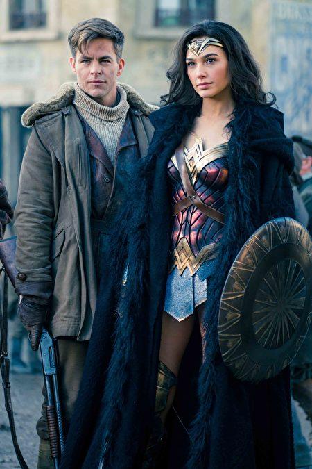 《神力女超人》(Wonder Woman,陆译:神奇女侠)剧照。(华纳兄弟提供)