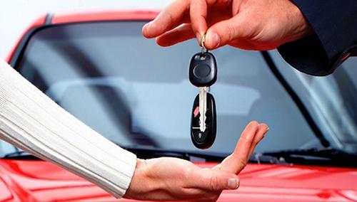 调查显示,78%加拿大华裔未来三年计划买新车。