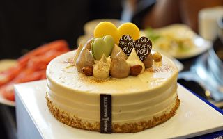 一个蛋糕50人尝 澳甜品女王的切法简单漂亮