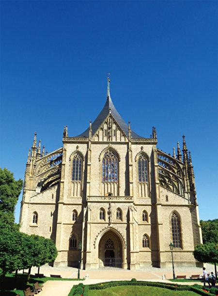 库特纳霍拉的圣芭芭拉大教堂已经被列入世界文化遗产。(《捷克经典》/柿子文化)