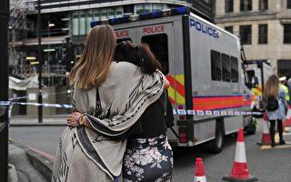 6月4日,英国伦敦市民吊唁恐怖袭击受难者。(加通社)