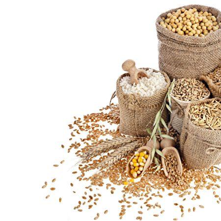 草本植物有四氣和五味,順應自然並配合體質食用,才能發會最大的效用。(Shutterstock)