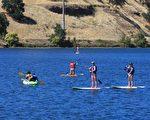 大沙迦缅度地区的佛森湖(Folsom Lake),是户外活动的好去处。(Shutterstock)